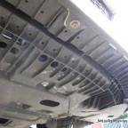Unterboden Front lFahrerseite von vorne